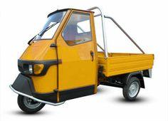 Piaggio Ape 50 Cross Country in Gelb bei Casa Moto Bergatreute. #Casa #Moto #Piaggio #Ape Vespa Ape, Piaggio Ape, Top Cars, Food Trucks, Cross Country, Van, Yellow, Green, Wheels