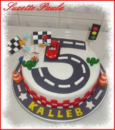 Resultado de imagem para bolo carros disney simples Cars Birthday Parties, 5th Birthday, Birthday Cakes, Mcqueen Cake, Hot Wheels Party, Mom Cake, Cute Kids Fashion, Cupcake Cookies, Cupcakes