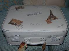 Hace unos meses, en una visita al Rastro en busca de tesoros, conseguí esta preciosa maleta. Generalmente, las maletas antiguas no son nada...