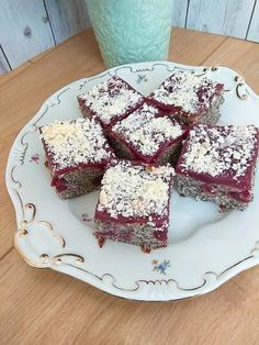 Krispie Treats, Rice Krispies, Pcos, Food And Drink, Pudding, Poppy, Candy, Cake, Puddings