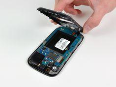 7. Løft og fjern den indre bagramme fra Nexus S.