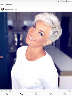 The 68 Greatest Blonde Pixie Hairstyles and Haircuts that Must You Try - Frisuren femme Short Hair Cuts For Women, Short Hairstyles For Women, Cool Hairstyles, Blonde Hairstyles, Modern Hairstyles, Edgy Pixie Hairstyles, Summer Hairstyles, Hairstyle Ideas, Faux Hawk Hairstyles