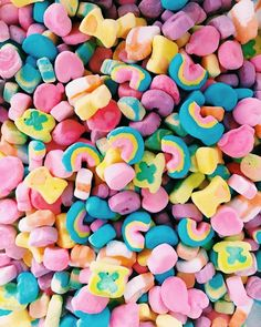 Just trying to find my marshmallow in a world full of bland cereal - Rainbow Aesthetic, Aesthetic Food, Cute Food, Yummy Food, Kreative Desserts, Food Goals, Photo Wall Collage, Food Cravings, Cute Wallpapers