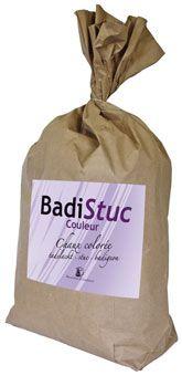 Sac d'enduit BADISTUC de 20 kg. Badistuc est un enduit à la chaux colorée pour stuc ou Badigeon. http://www.argilepeinture.com
