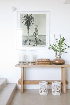 Cemcretology takes you on a tour through Casa Sanchia - this sleek beach home showcases Cemcrete floors throughout