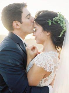 3 Benefits of Having a Small & Intimate Wedding  | #weddingplanning #weddingplanningtips #weddingadvice #weddingtips #brideandgroom #fineartwedding #fineartweddingphotography #goldenhour #intimatewedding #smallwedding #elope #elopement