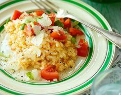Opskrift på en cremet risotto, som er nem at lave, og kan variere med forskellige grøntsager, såsom squash.