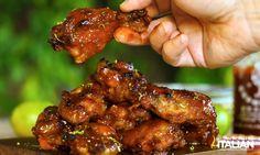 Εύκολη Crockpot Sriracha Μέλι Φτερούγες κοτόπουλου