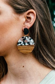A wood & resin mixed earring with black and white speckles. Resin Jewelry, Handmade Jewelry, Jewellery, Landscape Pencil Drawings, Wood Resin, Wood Earrings, Resin Crafts, Make And Sell, Laser Engraving