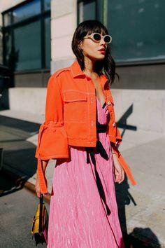 Bright orange jacket with pink dress. Bright orange jacket with pink dress. Fashion Week, High Fashion, Fashion Looks, Womens Fashion, Fashion Mode, Fashion Online, Feminine Fashion, Fashion 2018, Fashion Fall