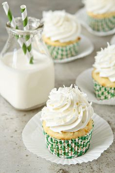 COCONUT Cupcakes topped with Lime Buttercream Frosting #cupcakesrecipes http://thecupcakedailyblog.com/coconut-cupcakes-2/