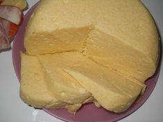 Ha egyszer ezt megkóstolod, soha nem fogsz boltból sajtot, vagyis sajtnak nevezett dolgotvásárolni. Hozzávalók 1 liter tej 1/2 kg túró 6 dkg...