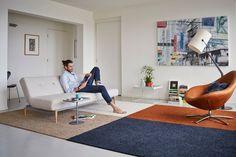 Met een levendige frisé structuur, de combinatie van matte en glanzende garens en nieuwe modische tinten flirt tapijtcollectie Roxy van Bonaparte met het interieur. Als volumineus vloerkleed of kamerbreed tapijt zorgt Roxy voor een stevige basis. Trendkleuren als brick, brons of burgundy geven een trendy twist: http://www.wonen.nl/informatie/Bonaparte-Roxy-vloerkleed/5372
