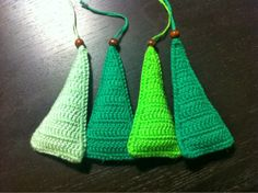 by GJ: DIY - Hæklet juletræ -Crochet Christmas Tree Ornament Christmas Crafts For Toddlers, Christmas Crafts To Make, Crochet Christmas Trees, Christmas Love, Diy Christmas Ornaments, Recycled Christmas Decorations, Funny Ornaments, Candy Cane Crafts, Crochet Garland