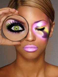 Makeup Tips For Green Eyes - Been looking for something like this! Nice and clear about which colours do and don't complement green eyes Crazy Makeup, Love Makeup, Makeup Art, Makeup Looks, Hair Makeup, Ugly Makeup, Makeup Ideas, Fun Makeup, Makeup Style