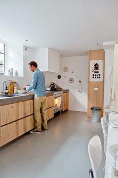 Plan de travail en béton dans une cuisine contemporaine
