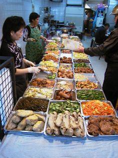 A street buffet in Taipei, Taiwan