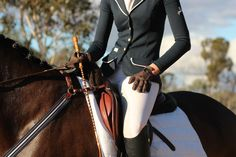 I wish I had the money to look this fabulous while riding >.<