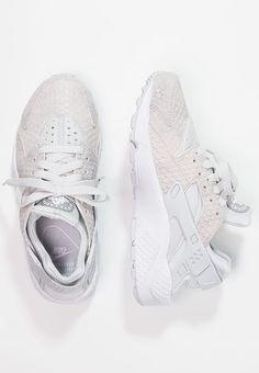 9160455e6d05d8 Köp Nike Sportswear AIR HUARACHE RUN PREMIUM - Sneakers - pure  platinum white metallic