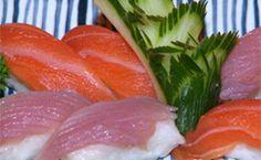 Receita de comida japonesa: como fazer sushi e cortar o sashimi. Chef ensina em vídeo, assista.
