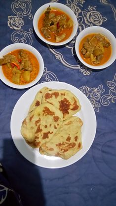 Flat bread and chicken curry