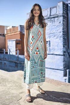 Sea #Green #Printed #Straight #Kurta #Fashion #Long #sleeveless #trending