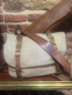 Thedileather bag, combination leather with canvas.