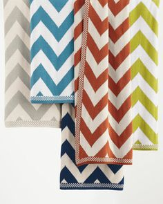 Chevron-Patterned Knit Throw  http://rstyle.me/n/duj5inyg6