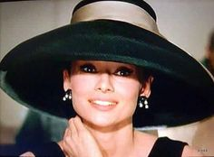 """""""Audrey Hepburn (Brussels Swizterland) 'Breakfast at Tiffanys' An all times icon of cinema and life"""" Audrey Hepburn Mode, Audrey Hepburn Breakfast At Tiffanys, Fair Lady, Looks Vintage, Madame, Belle Photo, Old Hollywood, Divas, Role Models"""