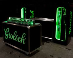 FLEX/the innovationlab was asked to develop new bottles that would overcome the disadvantages of the old swing top and at the same time re-invent the Grolsch icon