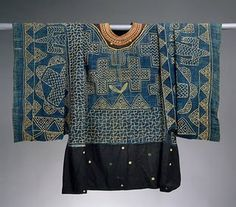 indigo tunic: Unknown group (Grassfields, Cameroon), Formal Shirt, wool/cotton, c. Ethnic Fashion, African Fashion, Design Textile, African Textiles, Formal Shirts, Folk Costume, Mode Inspiration, Fabric Art, Traditional Outfits