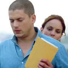 Michael and Sarah Wentworth Miller Prison Break, Michael And Sara, Sarah Wayne Callies, Michael Scofield, Samheughan, Great Tv Shows, Green Day, Collage, Wall