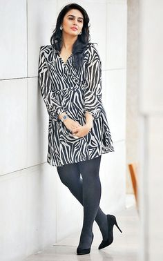 nice Hot Bollywood Actresses Who Have Grossly Oversized Quadriceps Bollywood Actress Hot Photos, Beautiful Bollywood Actress, Indian Bollywood, Bollywood Fashion, Bollywood Style, Huma Qureshi Hot, Very Short Dress, Beautiful Girl Image, Beautiful Pictures