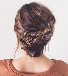 Elegant Double Fishtail Updo on ♥ You can learn how to recreate . Elegant Double Fishtail Updo on ♥ You can learn how to Braids For Thin Hair, Long Thin Hair, Pretty Hairstyles, Wedding Hairstyles, Updo Hairstyle, Wedding Updo, Bun Updo, Hairstyle Ideas, Teenage Hairstyles
