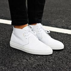 White chukka sneaker from Axel Arigato. On sale now - 40% off #axelarigato axelarigato.com
