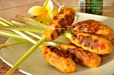 Give Thanks: Balinese Fish Satay - Sate Lilit Bali ( a guess post at Culinary Journey with Chef Dennis ) Indonesian Cuisine, Indonesian Recipes, Indonesian Satay Recipe, Fried Mushrooms, Asian Recipes, Ethnic Recipes, Vietnamese Recipes, Exotic Food, Fish Dishes