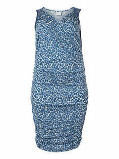 Body-hugging bodycon dress from JUNAROSE. #junarose #dress #blue #animalprint #plussize #fashion