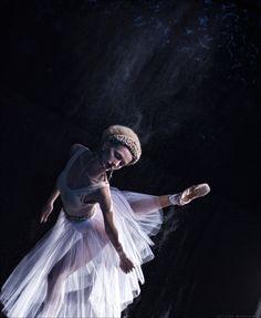 Ballet by Tatiana Mikhina, via Behance ♥ Wonderful! www.thewonderfulworldofdance.com