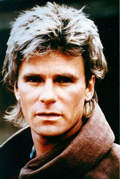 Mac in his monk disguise - 'Jack of Lies' Macgyver Tv Series, Angus Macgyver, Macgyver Richard Dean Anderson, Richard Anderson, Macgyver Original, Hugs And Cuddles, I Can Do Anything, Scene Photo, Stargate
