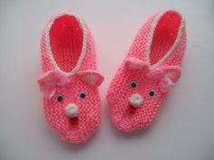 Вязаные тапочки для ребенка Mittens, Baby Shoes, Slippers, Socks, Kids, Fashion, Shoes, Slipper, Fingerless Mitts
