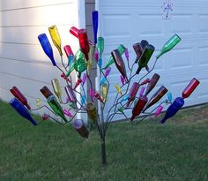seeing lots of bottle trees...reminds me of Gloria Dump from the book, Because of Winn Dixie - wonderful book