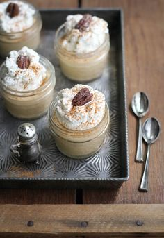 Kentucky bourbon puddings with candied pecans
