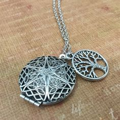Essential Oil Diffuser Necklace for Young Living Doterra Aromatherapy Silver Round with Tree of Life
