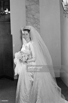 Princess Marie-Louise Of Bulgaria and Count Karl of Leiningen, February 1957 Royal Wedding Gowns, Royal Weddings, Wedding Dresses, Ernst August, Bride Tiara, Real Princess, Casa Real, Princess Elizabeth, Royal Brides