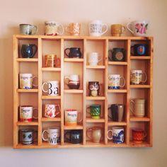 Mug shelf. My diy. Mug display. Mug shelf. My diy. Mug display. Coffee Mug Display, Coffee Cups, Espresso Coffee, Coffee Tables, Coffe Bar, Diy Becher, Mug Storage, Diy Mugs, Mug Rack