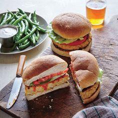 Buffalo Quinoa Burgers | #myplate #veggies #grains