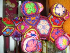 SWEET DOLLS AND COLORFUL QUILTS