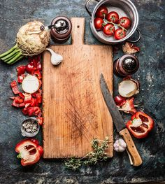 Wooden cutting board with organic vegetables and kitchen knife, healthy food background, top view, frame Food Background Wallpapers, Food Wallpaper, Food Backgrounds, Mexican Food Recipes, Healthy Recipes, Healthy Food, Vegan Food, Fast Food, Food Photography Styling