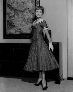 Debbie Reynolds Hollywood Stars, Classic Hollywood, The Unsinkable Molly Brown, Vintage Tv, Vintage Ideas, Debbie Reynolds, Carrie Fisher, Beauty Queens, Business Women