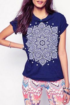 Casual Round Neck Totem Print Short Sleeve T-Shirt For Women